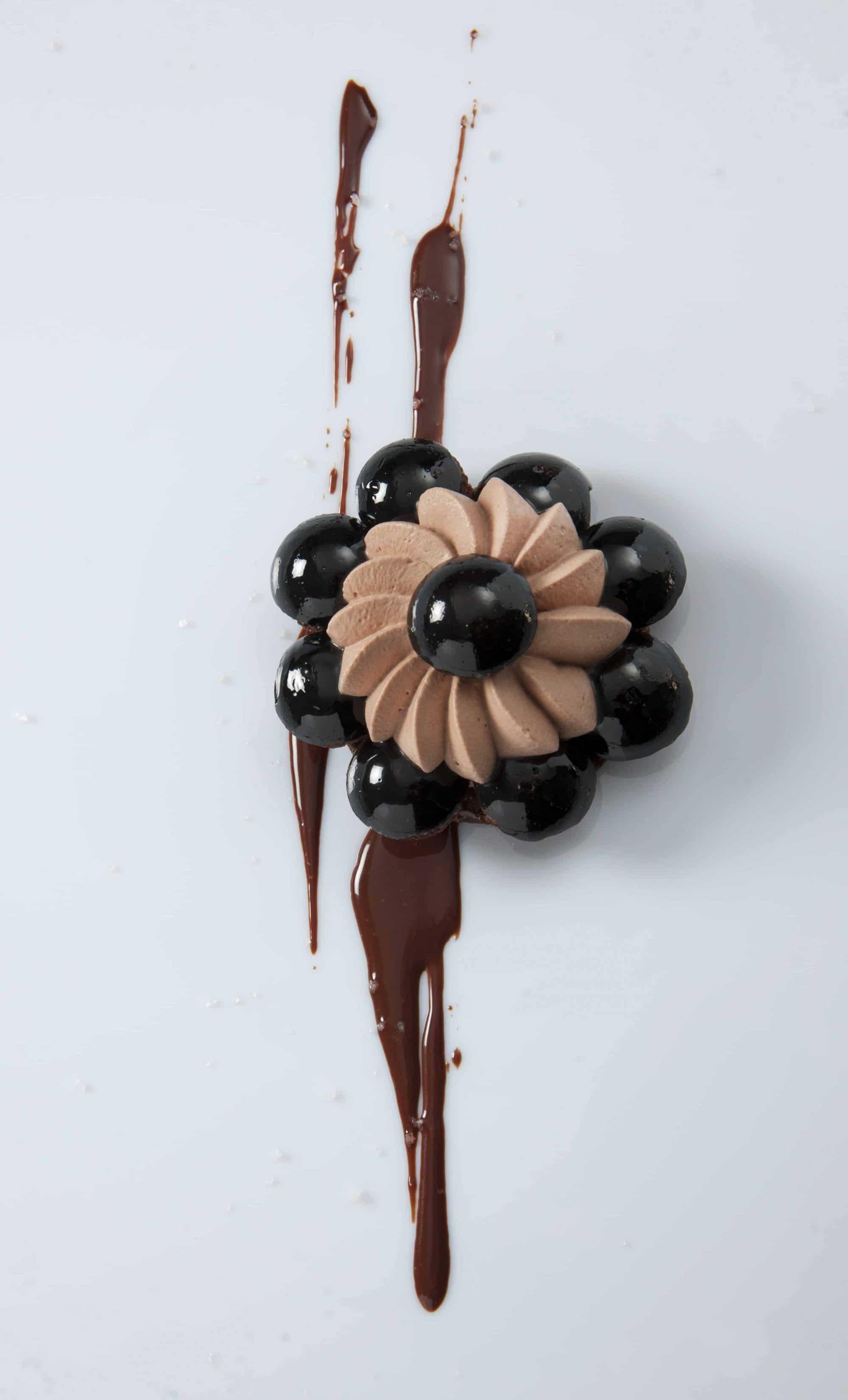 Saint-Honoré chocolat et fleur de sel © Christophe Madamour