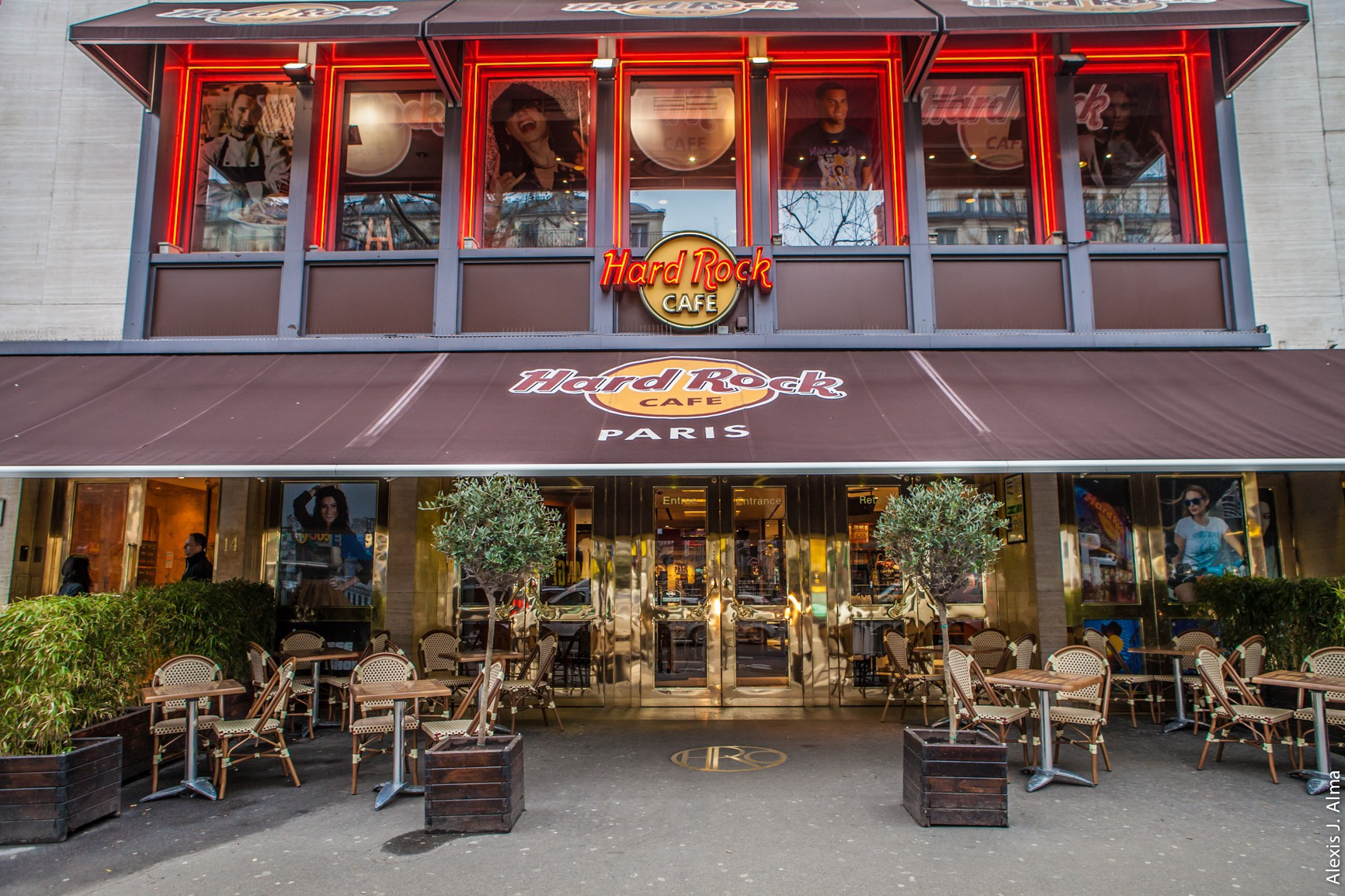 Hard Rock Cafe Paris-14